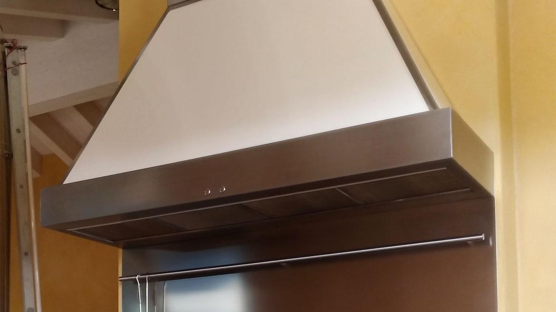 Vescovi cucine produzione cucine a legna termocucine - Cappa per cucina a legna ...